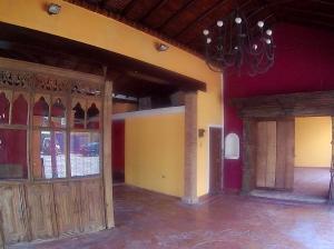 Local Comercial En Alquiler En Maracay, Avenida Páez, Venezuela, VE RAH: 17-10720