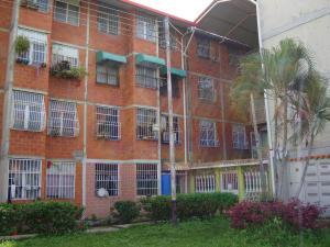 Apartamento En Venta En Maracay, Madre Maria, Venezuela, VE RAH: 17-10695