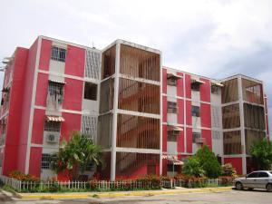 Apartamento En Venta En Palo Negro, Los Naranjos, Venezuela, VE RAH: 17-10700