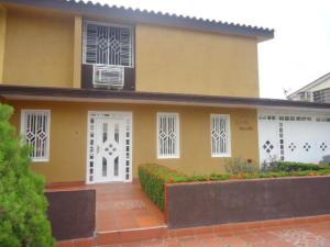 Townhouse En Venta En Maracaibo, Circunvalacion Dos, Venezuela, VE RAH: 17-10748