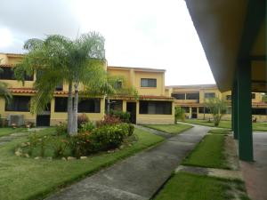 Apartamento En Venta En Chichiriviche, Flamingo, Venezuela, VE RAH: 17-10712