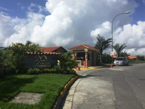Townhouse En Ventaen Caracas, Loma Linda, Venezuela, VE RAH: 17-10730