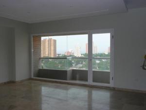 Apartamento En Venta En Maracaibo, Las Mercedes, Venezuela, VE RAH: 17-10740