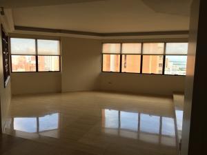 Apartamento En Alquiler En Maracaibo, Bellas Artes, Venezuela, VE RAH: 17-10743