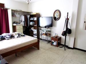 Casa En Venta En Caracas - Horizonte Código FLEX: 17-10805 No.17