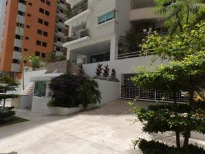 Apartamento En Venta En Valencia, La Trigaleña, Venezuela, VE RAH: 17-10757