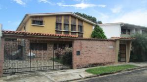 Casa En Venta En Valencia, La Viña, Venezuela, VE RAH: 17-10784