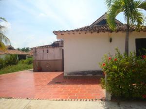 Casa En Venta En Higuerote, Via Curiepe, Venezuela, VE RAH: 17-11695