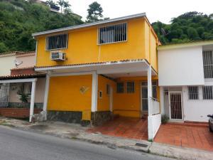 Casa En Ventaen Caracas, Santa Ines, Venezuela, VE RAH: 16-11814