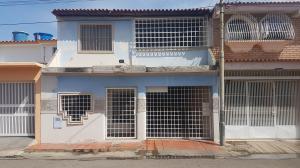 Casa En Venta En Coro, El Isiro, Venezuela, VE RAH: 17-10800