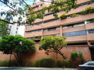En Venta En Caracas - Colinas de Valle Arriba Código FLEX: 17-10818 No.2