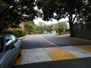 En Venta En Caracas - Colinas de Valle Arriba Código FLEX: 17-10818 No.4