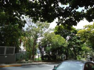 En Venta En Caracas - Colinas de Valle Arriba Código FLEX: 17-10818 No.7