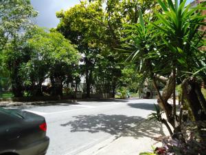 En Venta En Caracas - Colinas de Valle Arriba Código FLEX: 17-10818 No.8