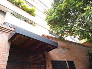 En Venta En Caracas - Colinas de Valle Arriba Código FLEX: 17-10818 No.9