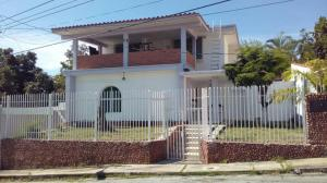 Casa En Ventaen Barquisimeto, Colinas De Santa Rosa, Venezuela, VE RAH: 17-10829
