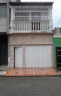 Casa En Venta En Valencia, Santa Rosa, Venezuela, VE RAH: 17-10844