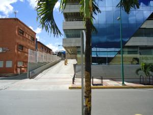 En Venta En Caracas - Las Mercedes Código FLEX: 17-10859 No.1