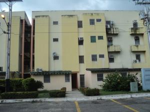 Apartamento En Venta En Palo Negro, Los Naranjos, Venezuela, VE RAH: 17-10894