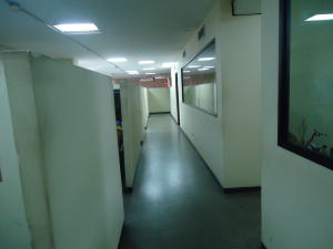 Oficina En Alquiler En Maracaibo, San Martin, Venezuela, VE RAH: 17-10904