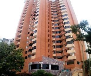 Apartamento En Venta En Valencia, La Trigaleña, Venezuela, VE RAH: 17-10968