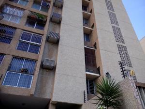 Apartamento En Ventaen Maracaibo, Avenida Delicias Norte, Venezuela, VE RAH: 17-10975