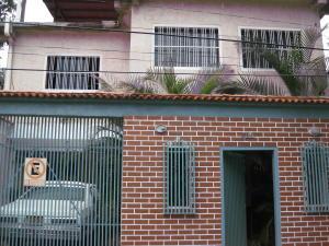 Casa En Venta En Maracay, El Castaño, Venezuela, VE RAH: 17-11080