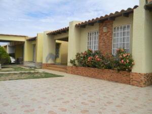 Casa En Venta En Punto Fijo, Santa Fe, Venezuela, VE RAH: 17-11092