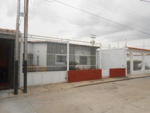 Casa En Venta En Maracay, La Fontana, Venezuela, VE RAH: 17-11099