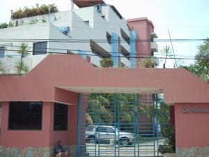 Apartamento En Ventaen Higuerote, Agua Sal, Venezuela, VE RAH: 17-11132