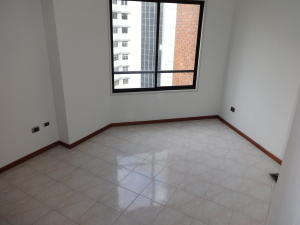 Apartamento En Venta En Caracas - Santa Eduvigis Código FLEX: 17-11376 No.5