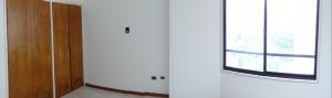 Apartamento En Venta En Caracas - Santa Eduvigis Código FLEX: 17-11376 No.4