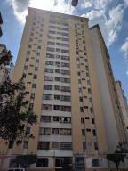 Apartamento En Venta En Valencia, Prebo I, Venezuela, VE RAH: 17-11130