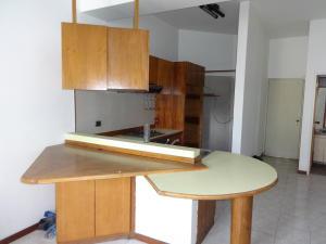Apartamento En Venta En Caracas - Santa Eduvigis Código FLEX: 17-11376 No.3