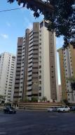 Apartamento En Venta En Valencia, Valles De Camoruco, Venezuela, VE RAH: 17-7237