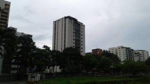 Apartamento En Venta En Valencia, Valles De Camoruco, Venezuela, VE RAH: 17-11190