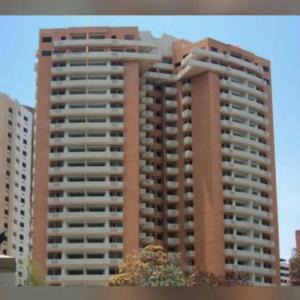 Apartamento En Venta En Valencia, Valle Blanco, Venezuela, VE RAH: 17-11230