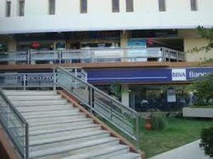 Local Comercial En Venta En Maracaibo, Avenida Delicias Norte, Venezuela, VE RAH: 17-11261