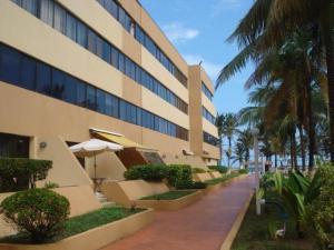 Apartamento En Venta En Tucacas, Santa Rosa, Venezuela, VE RAH: 17-11303