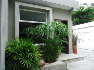 Casa En Ventaen Barquisimeto, Parroquia Santa Rosa, Venezuela, VE RAH: 17-9623
