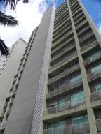 Apartamento En Alquiler En Caracas, Santa Eduvigis, Venezuela, VE RAH: 17-11331