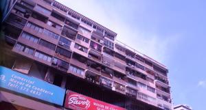 Apartamento En Venta En Caracas, Parroquia La Candelaria, Venezuela, VE RAH: 17-11336