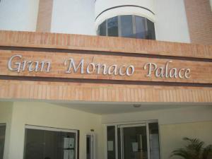 Apartamento En Ventaen Valencia, Campo Alegre, Venezuela, VE RAH: 17-11339