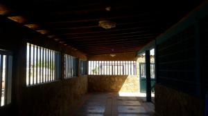 Casa En Venta En Punto Fijo, Los Taques, Venezuela, VE RAH: 17-11357