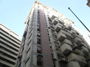 Apartamento En Venta En Caracas, Parroquia La Candelaria, Venezuela, VE RAH: 17-11417