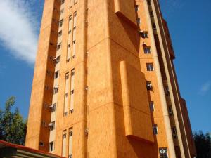 Apartamento En Venta En Maracaibo, Avenida Universidad, Venezuela, VE RAH: 17-11412