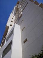 Apartamento En Alquileren Maracaibo, La Lago, Venezuela, VE RAH: 17-11545