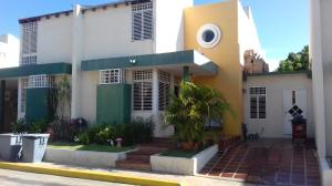 Townhouse En Ventaen Maracaibo, Monte Claro, Venezuela, VE RAH: 17-11438