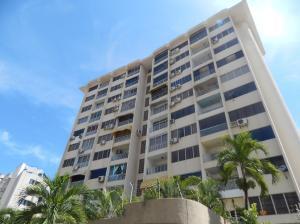Apartamento En Venta En Parroquia Caraballeda, Caribe, Venezuela, VE RAH: 17-11511