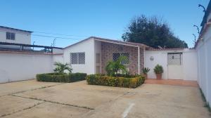 Casa En Venta En Coro, Barrio San Jose, Venezuela, VE RAH: 17-11528